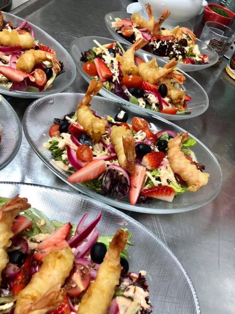 El Pintu Llaviana - Ensalada de gamba en tempura y fresones